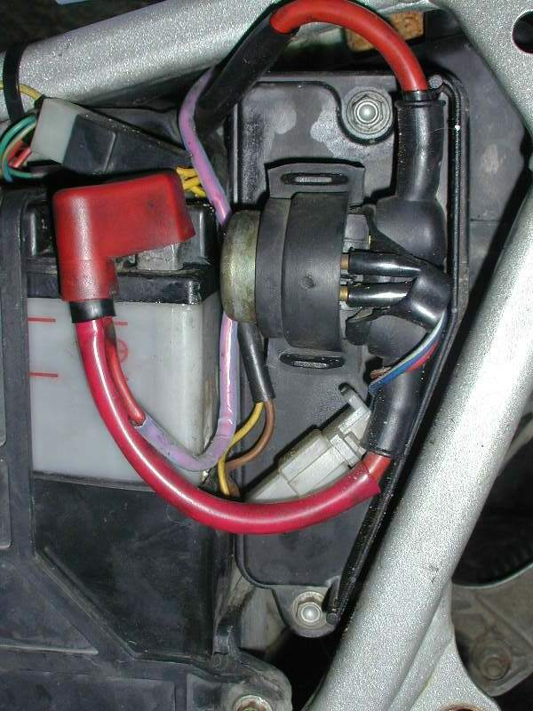 AirFiltLoc1 the battery faq 2003 bmw f650gs wiring diagram at gsmx.co
